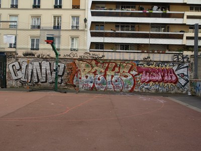 photo graffiti Paris 12eme arrondissement